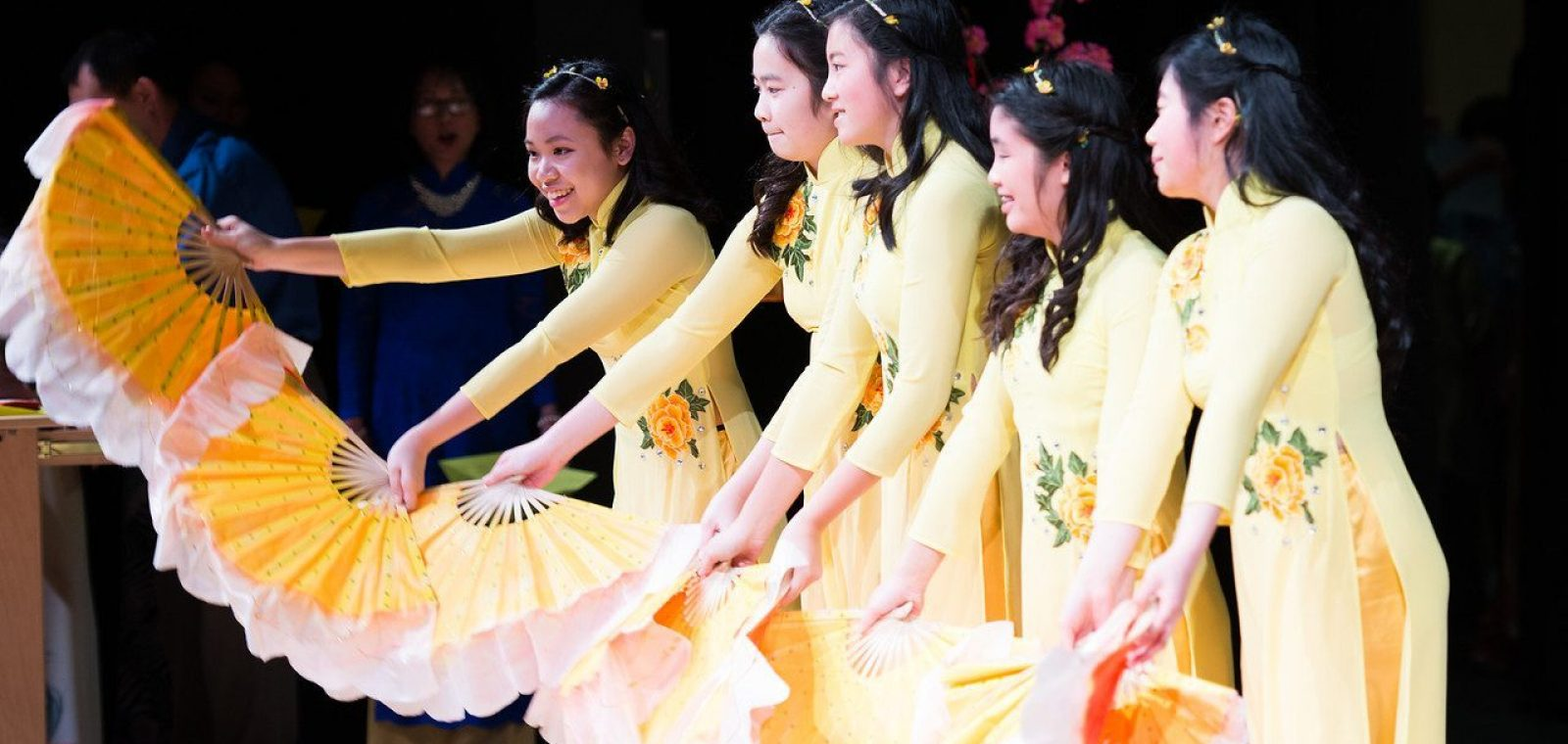 LHS_family_cultural4_front